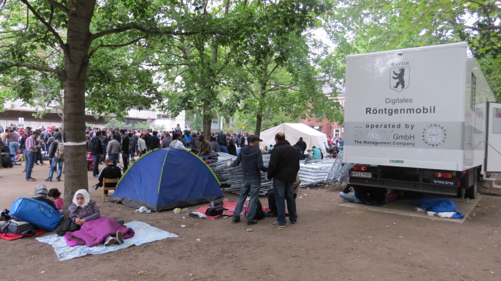 Палаточный городок беженцев в Берлине. Фото: Вера Блок