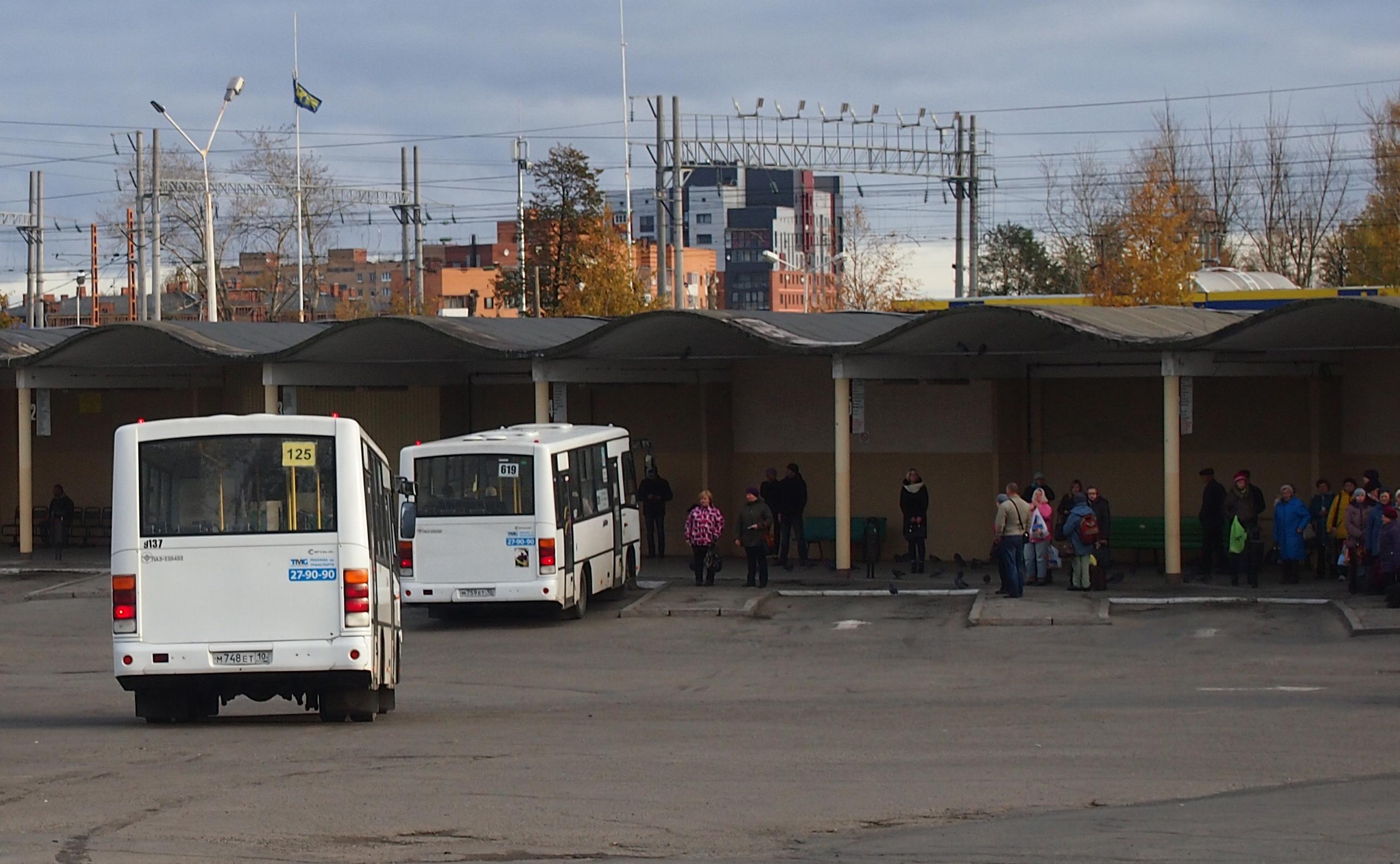 """Пассажирам приходится довольствоваться """"пазиками"""". Фото: Валерий Поташов"""