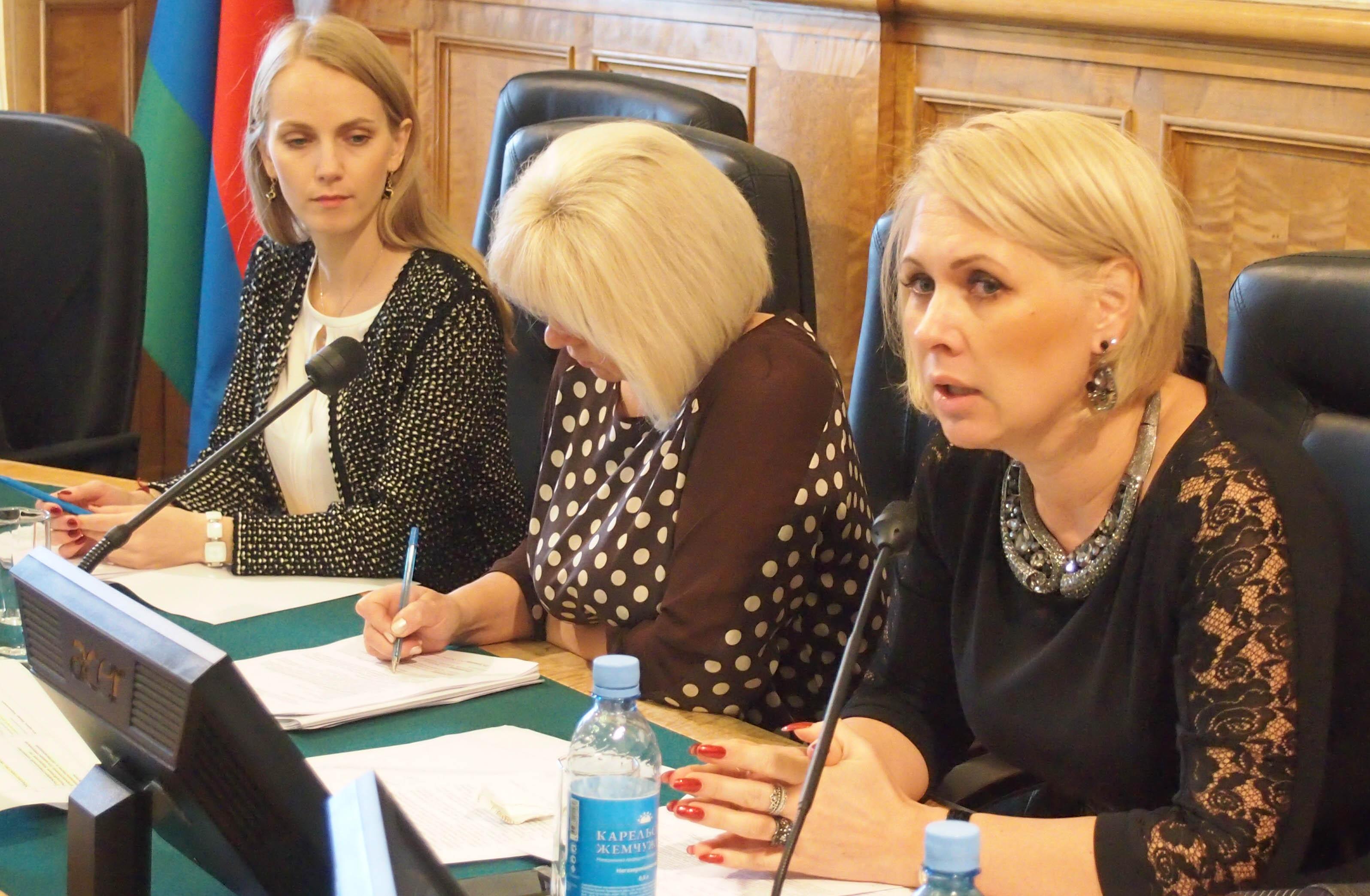 """Анна Позднякова: """"Мы зароемся в судах, но не сможем реализовать этот закон"""". Фото: Валерий Поташов"""