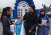 Пикет зоозащитников у передвижного дельфинария в Петрозаводске. Фото: Валерий Поташов