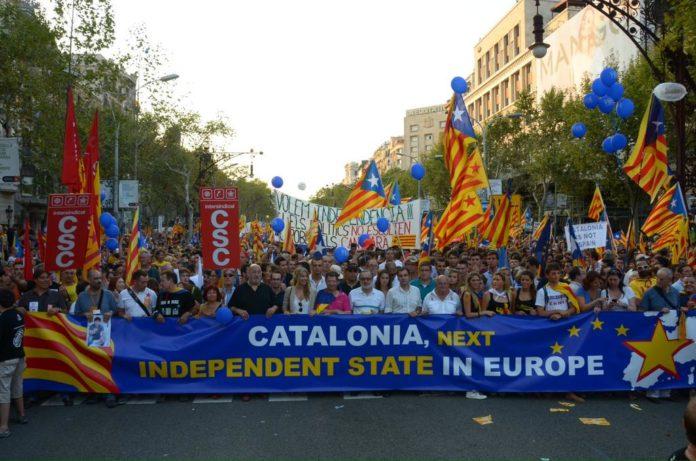 Марш сторонников независимости Каталонии. Фото: catalonia-next