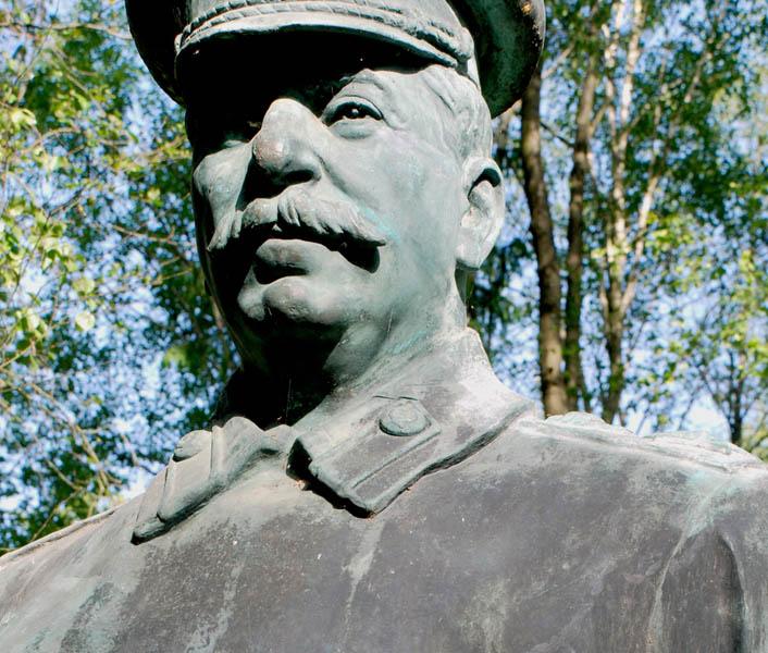 Карельские коммунисты хотят начать сбор подписей за установку в городе памятника Сталину. Фото: vk.com