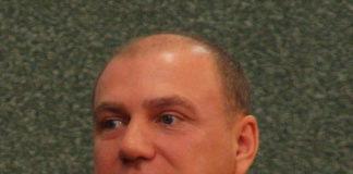 """Депутату Красулину """"смешно перед товарищами"""" за то, что они не могут прилететь в Карелию на самолете. Фото: Губернiя Daily"""