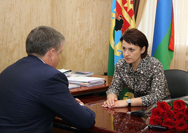Галина Ширшина и Александр Худилайнен. Фото: gov.karelia.ru