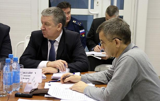 Совещание по реконструкции аэропорта с участием Рашида Нургалиева. Фото: gov.karelia.ru