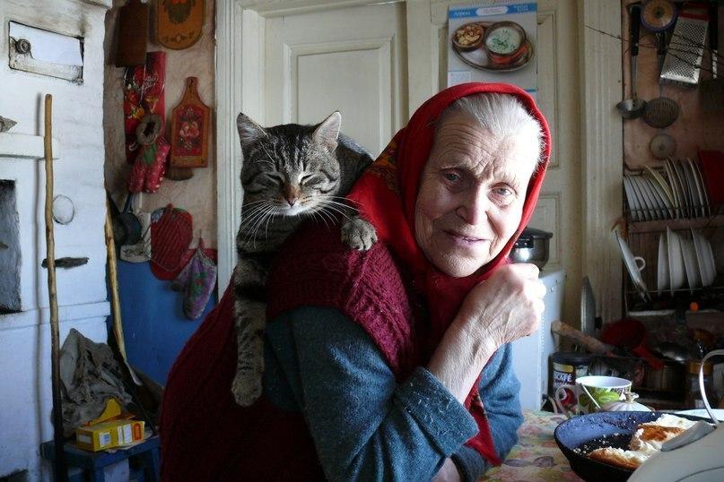 Одна из фоторабот Николая Абрамова. На снимке - мама поэта