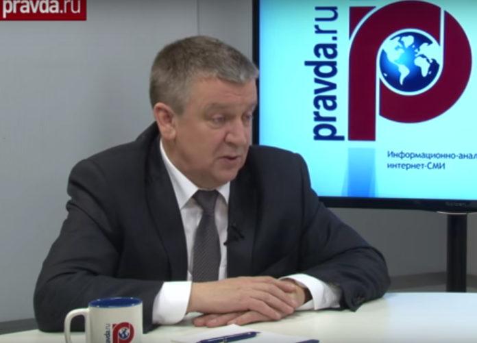 Александр Худилайнен в прямом эфире портала Pravda.ru. Скрин канала YouTube