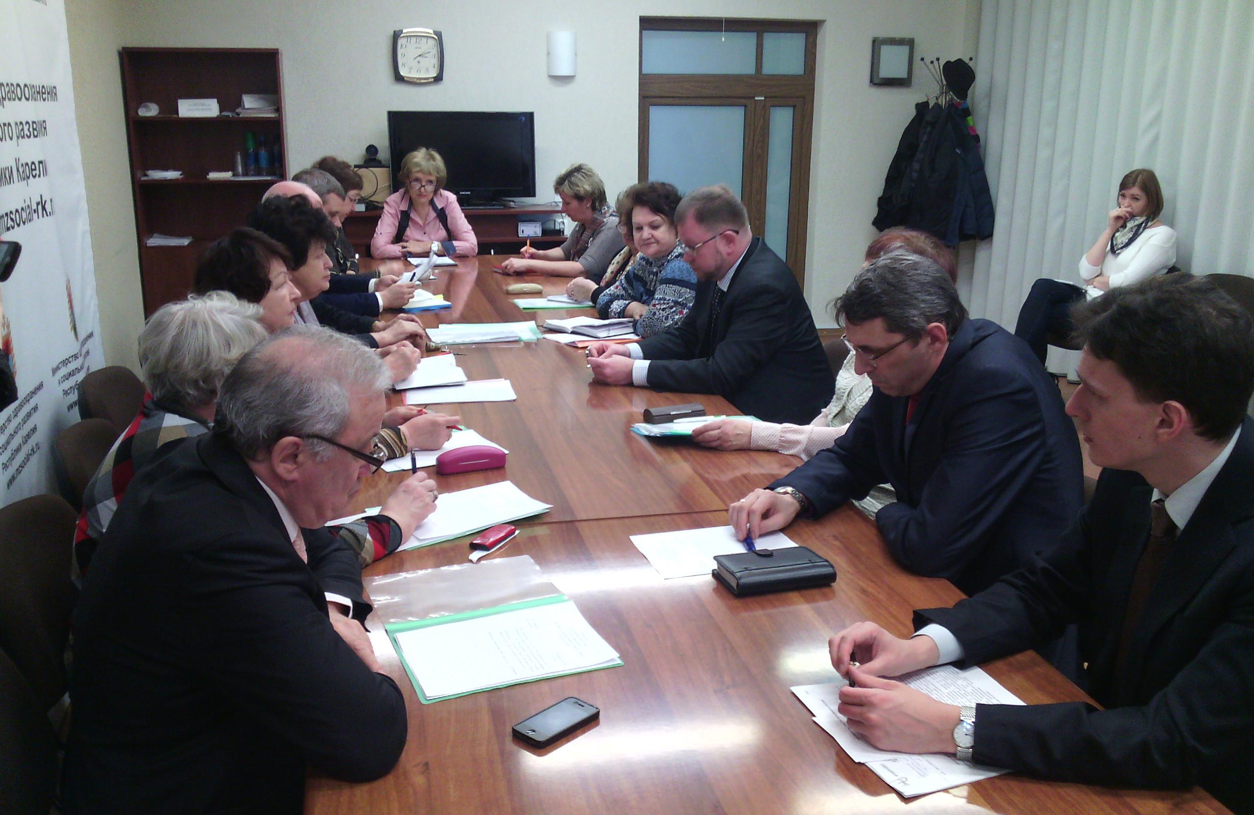 На заседании Общественного совета при Минздраве Карелии. Фото: Валерий Поташов