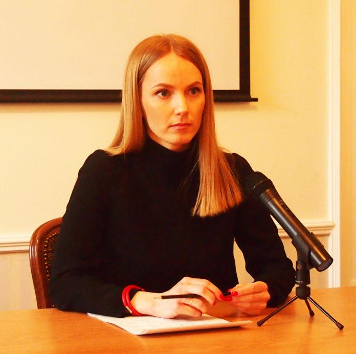 Вице-спикер парламента Карелии Анастасия Кравчук провела в Петрозаводске пресс-конференцию по скандальному