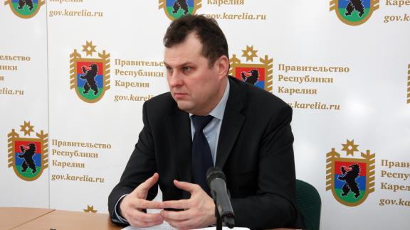 Работая в команде Худилайнена, Тельнов так и остался в тени не только губернатора, но и других, более заметных фигур из его окружения. Фото: Губернiя Daily