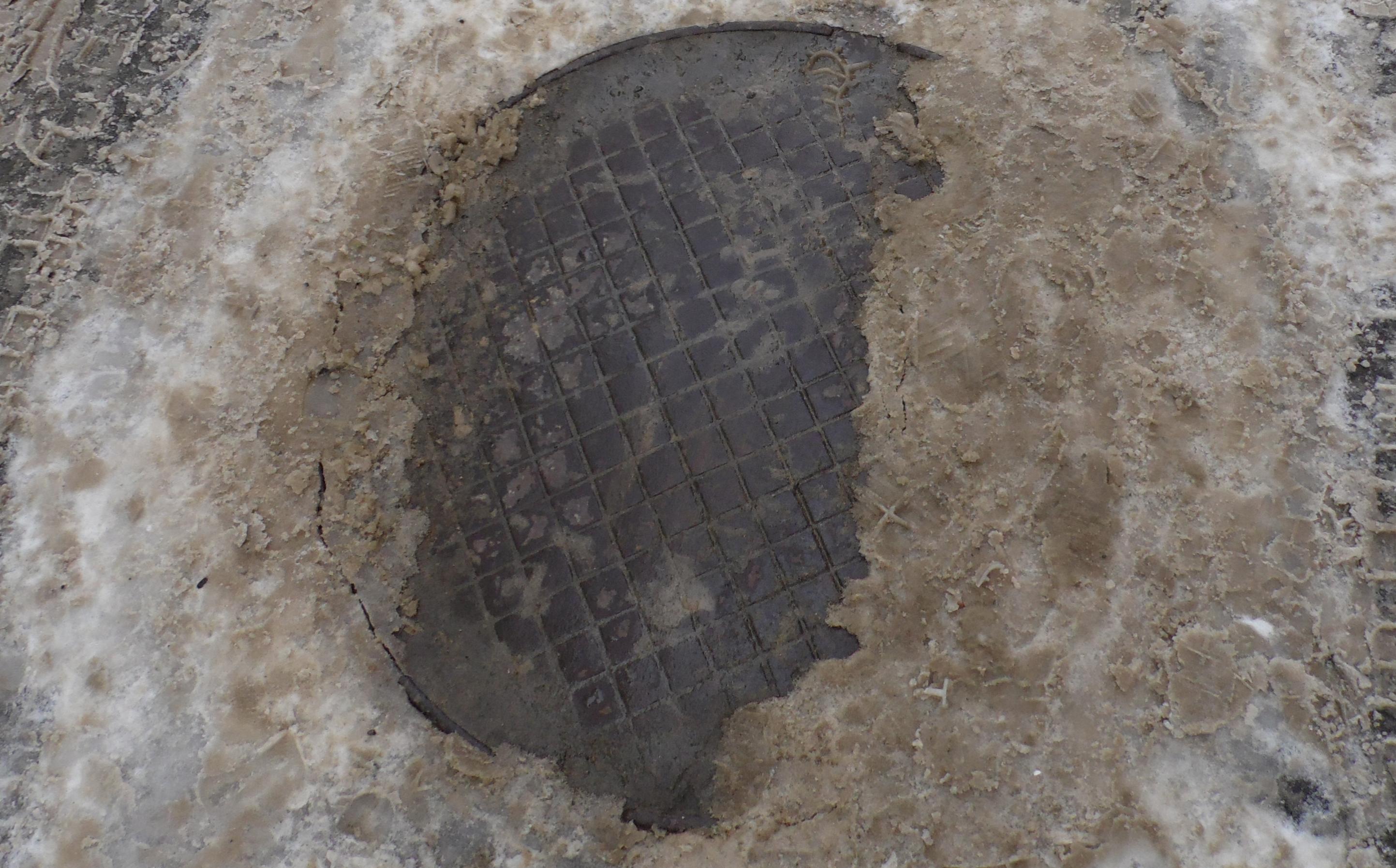 В замене ливневой канализации Петрозаводск нуждается с середины прошлого века. И за это тоже отвечает Ширшина? Фото: Алексей Владимиров
