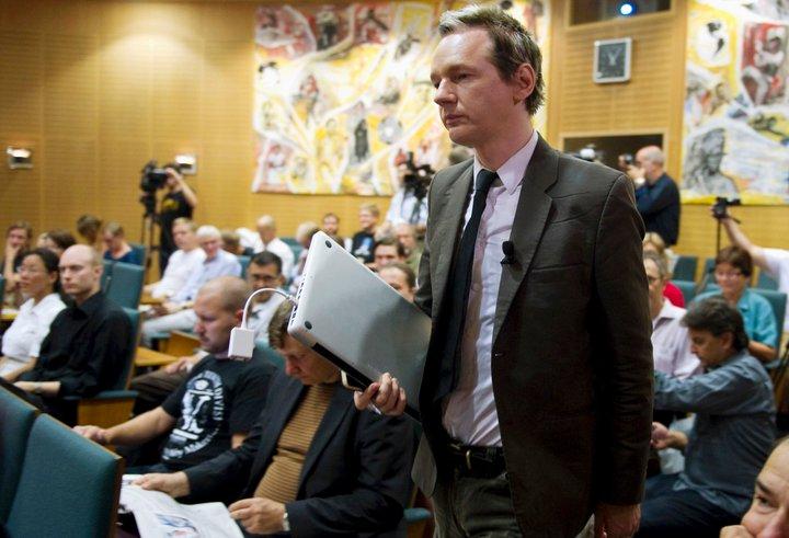Эпоха громких Интернет-разоблачений началась с Джулиана Ассанжа. Фото: facebook.com