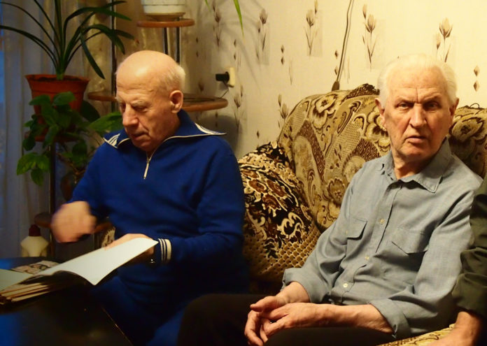 Ветераны войны Владимир Дмецов и Николай Бакинов. Фото: Валерий Поташов