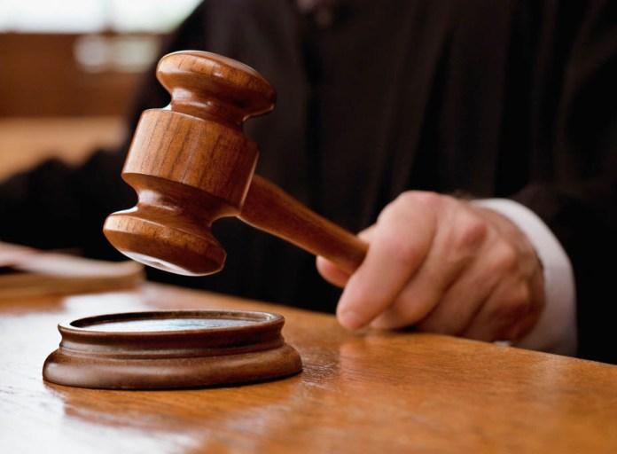 Выяснять отношения с кредиторами лучше в суде. Фото: livejournal.com
