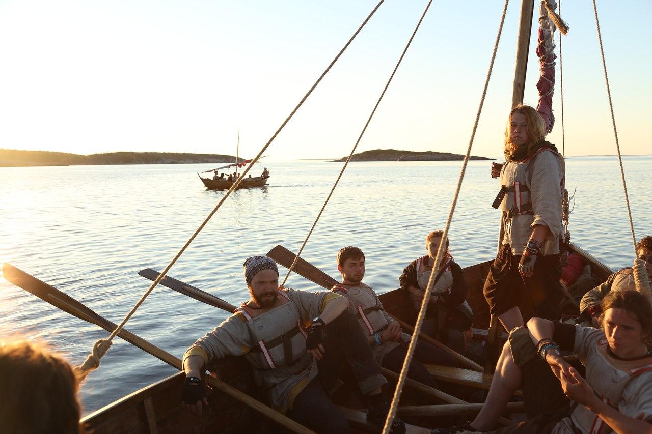 В Белое море участники лагеря выходили на традиционных для этих мест судах. Фото: vk.com