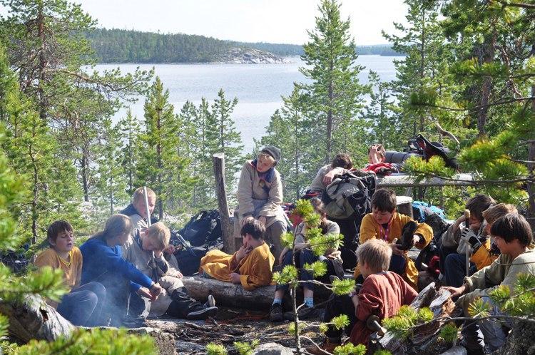 За участие в лагере на Белом море родители детей платили из своего кармана. Фото: vk.com