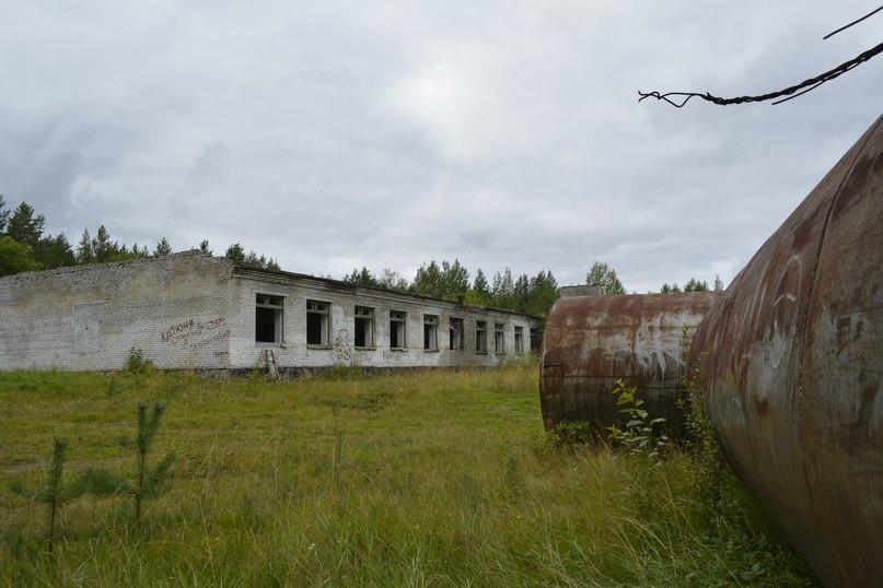Руины казармы. Фото: Надежда Васильева