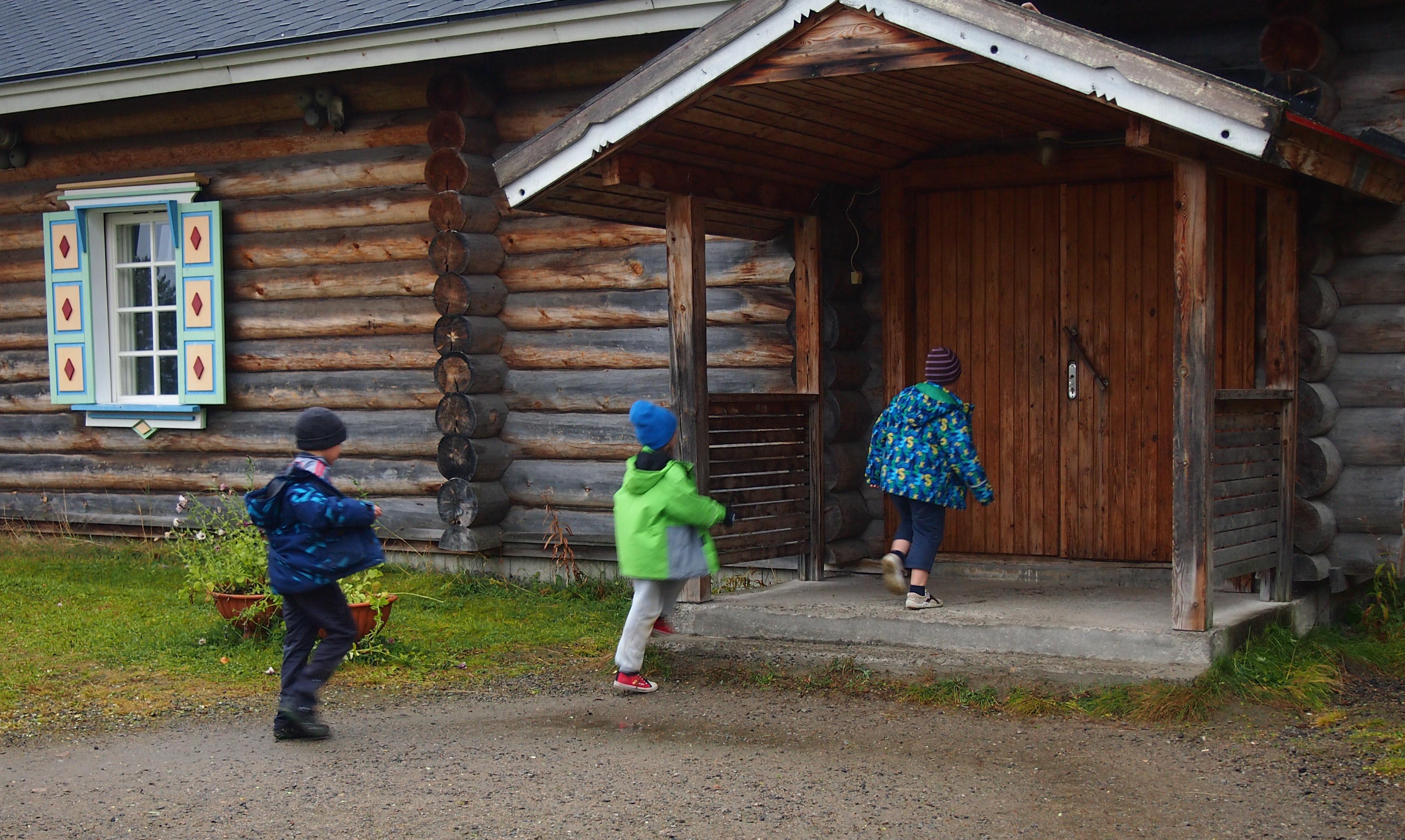 Деревенская школа. Фото: Валерий Поташов