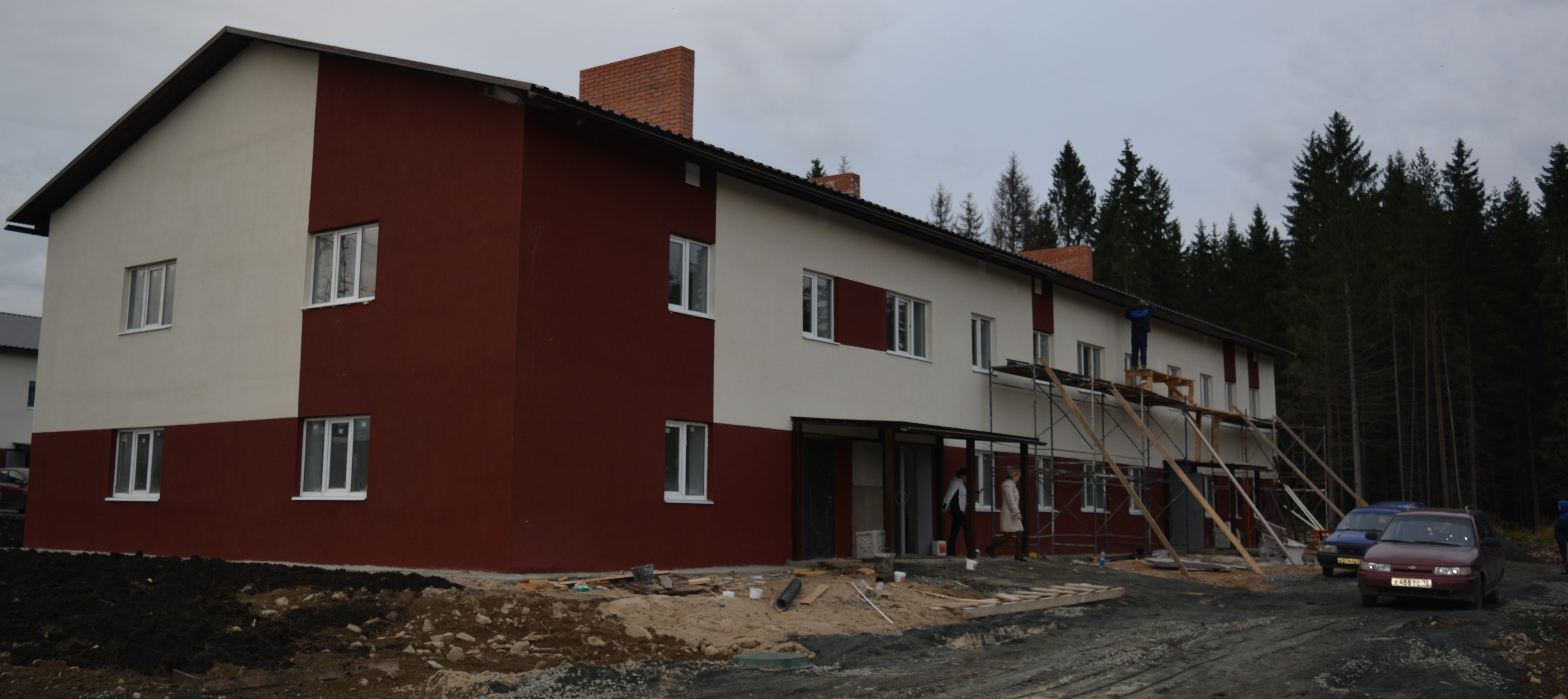Так выглядят дома в Чалне снаружи. Фото: Алексей Владимиров