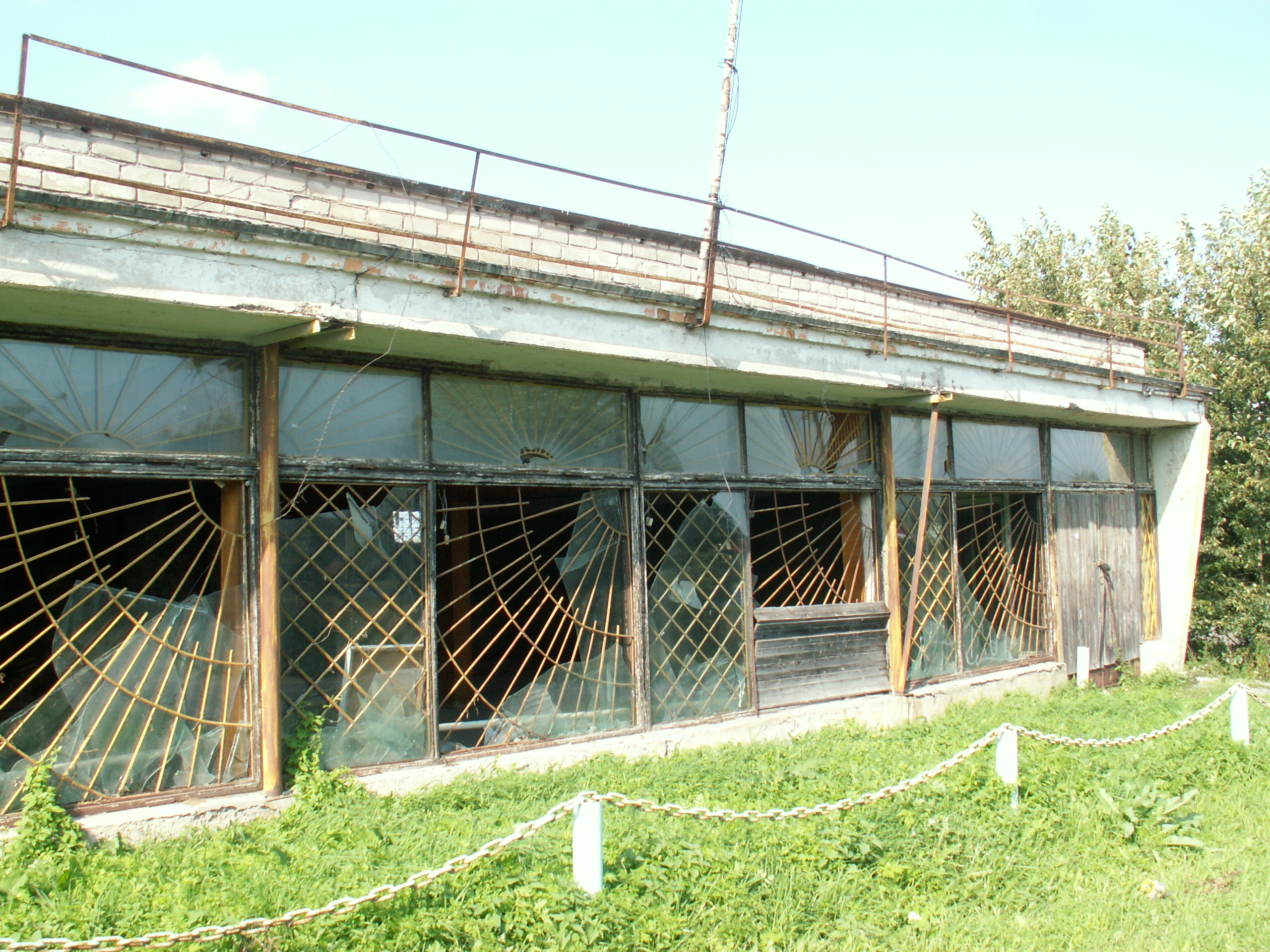 Бывший промтоварный магазин. Фото: Татьяна Смирнова