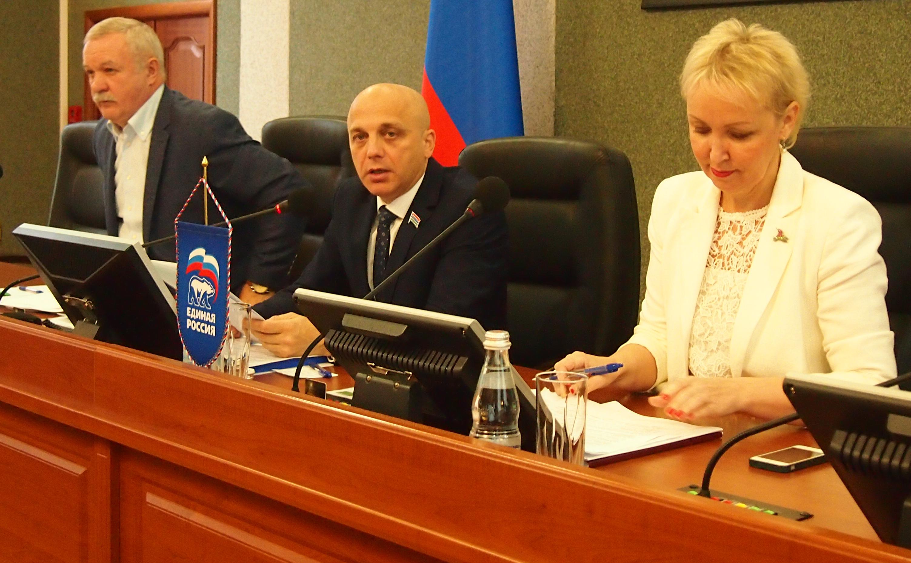 Руководство нового карельского парламента. Фото: Валерий Поташов