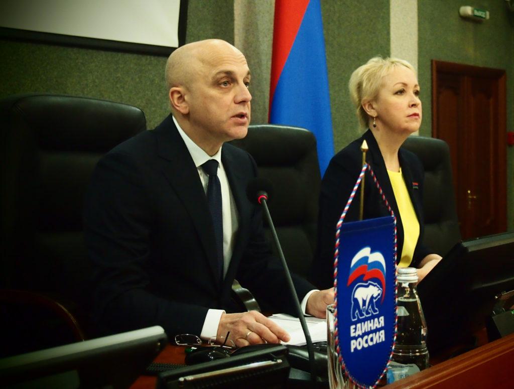 Спикер карельского парламента Элиссан Шандалович и его заместитель Ольга Шмаеник. Фото: Валерий Поташов