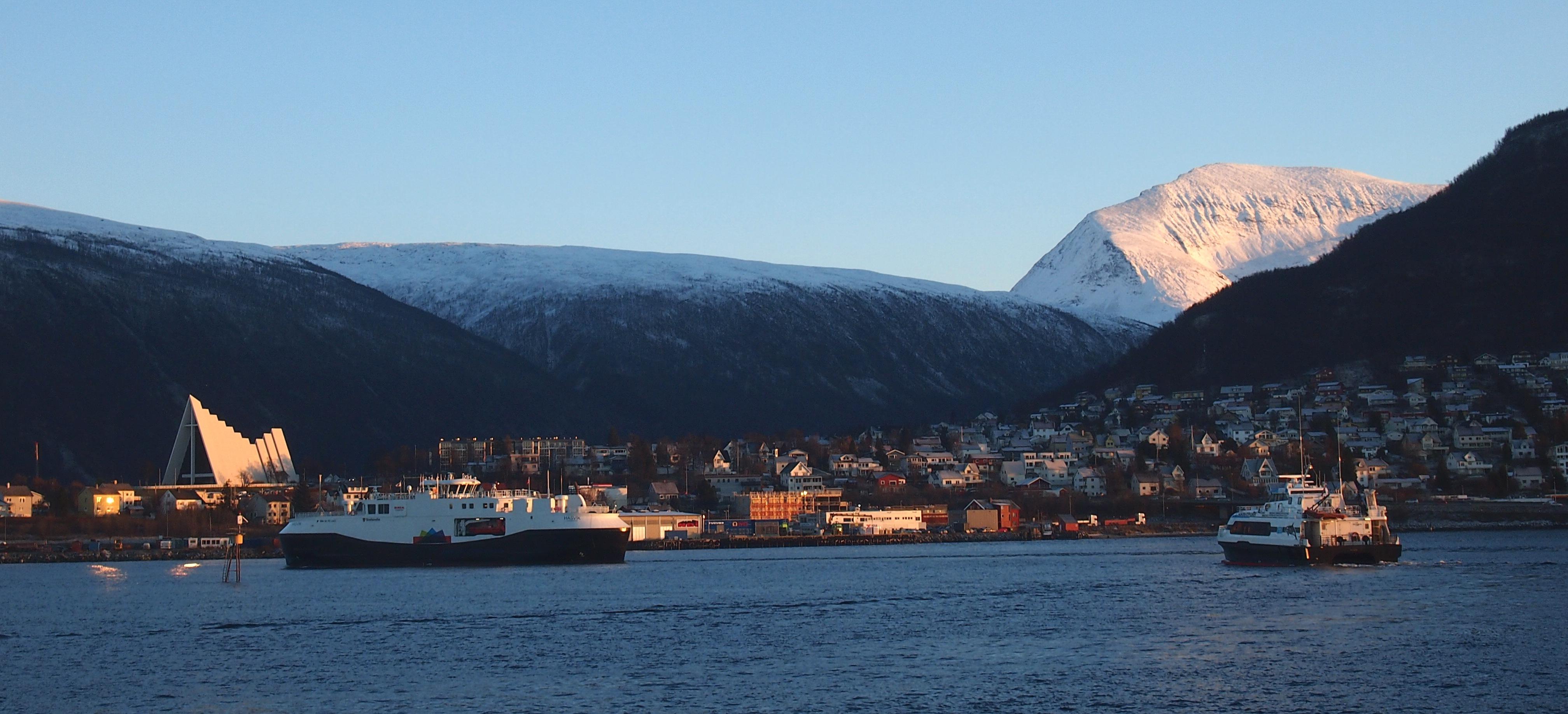 Город Тромсе на севере Норвегии. Фото: Валерий Поташов