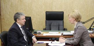 Глава Карелии Александр Худилайнен и сити-менеджер Петрозаводска Ирина Мирошник. Фото: gov.karelia.ru