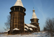 Такой деревянная церковь Великомученицы Варвары из заонежской деревни Яндомозеро была до разборки. Фото: Виталий Лях