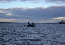 В Челмужской губе Онежского озера задержана группа браконьеров. Фото: Алексей Владимиров