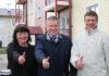 Глава Карелии Александр Худилайнен на церемонии вручения ключей переселенцам из аварийного жилья в Сортавале. Фото: gov.karelia.ru