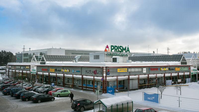 Многие жители Карелии по выходным отправляются в шоп-туры в приграничный финский город Йоэнсуу, как советские времена за продуктами в Ленинград. Фото: prismafinland.ru