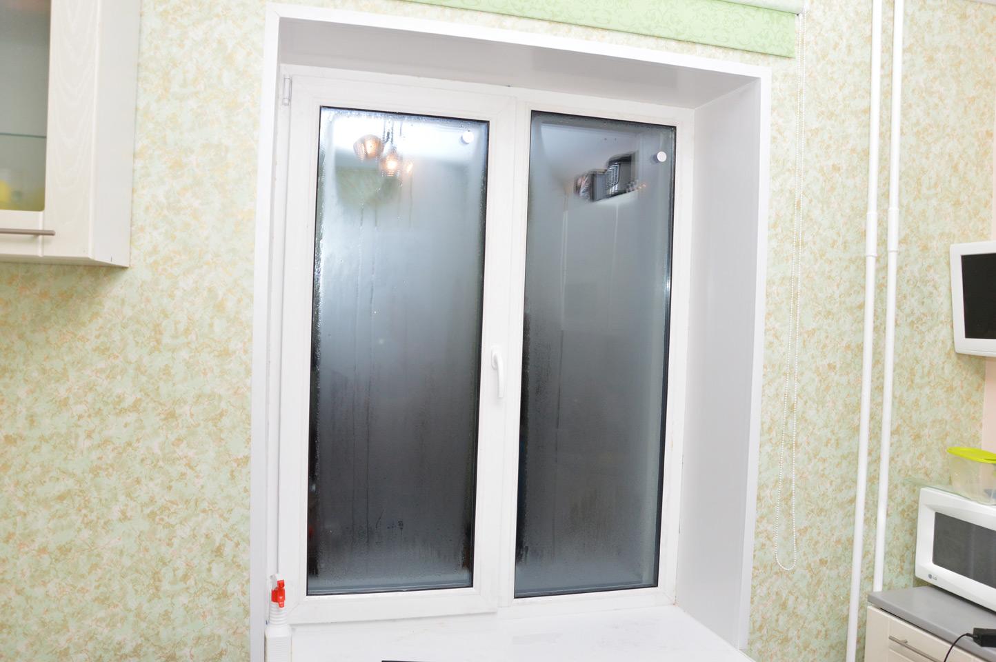 Влажность в новых квартирах почти как в бане. Фото: Александр Луговской
