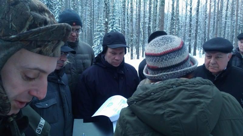 Замминистра Алексею Павлову пришлось отправиться в Сунский бор вместе с членами СПЧ. Фото: Алексей Владимиров