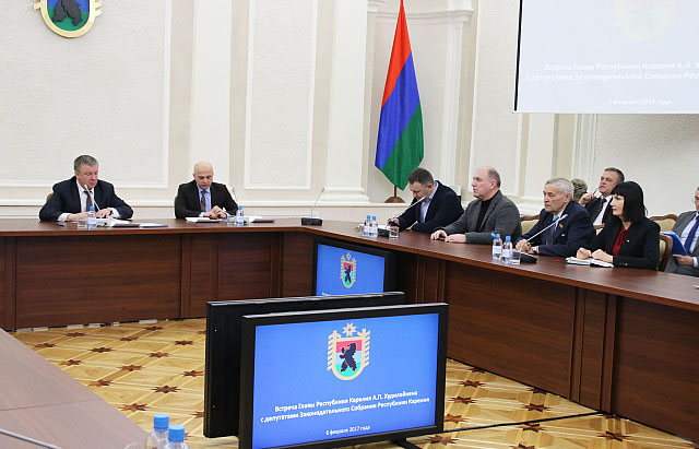 На встрече главы Карелии с депутатами республиканского парламента. Фото: gov.karelia.ru