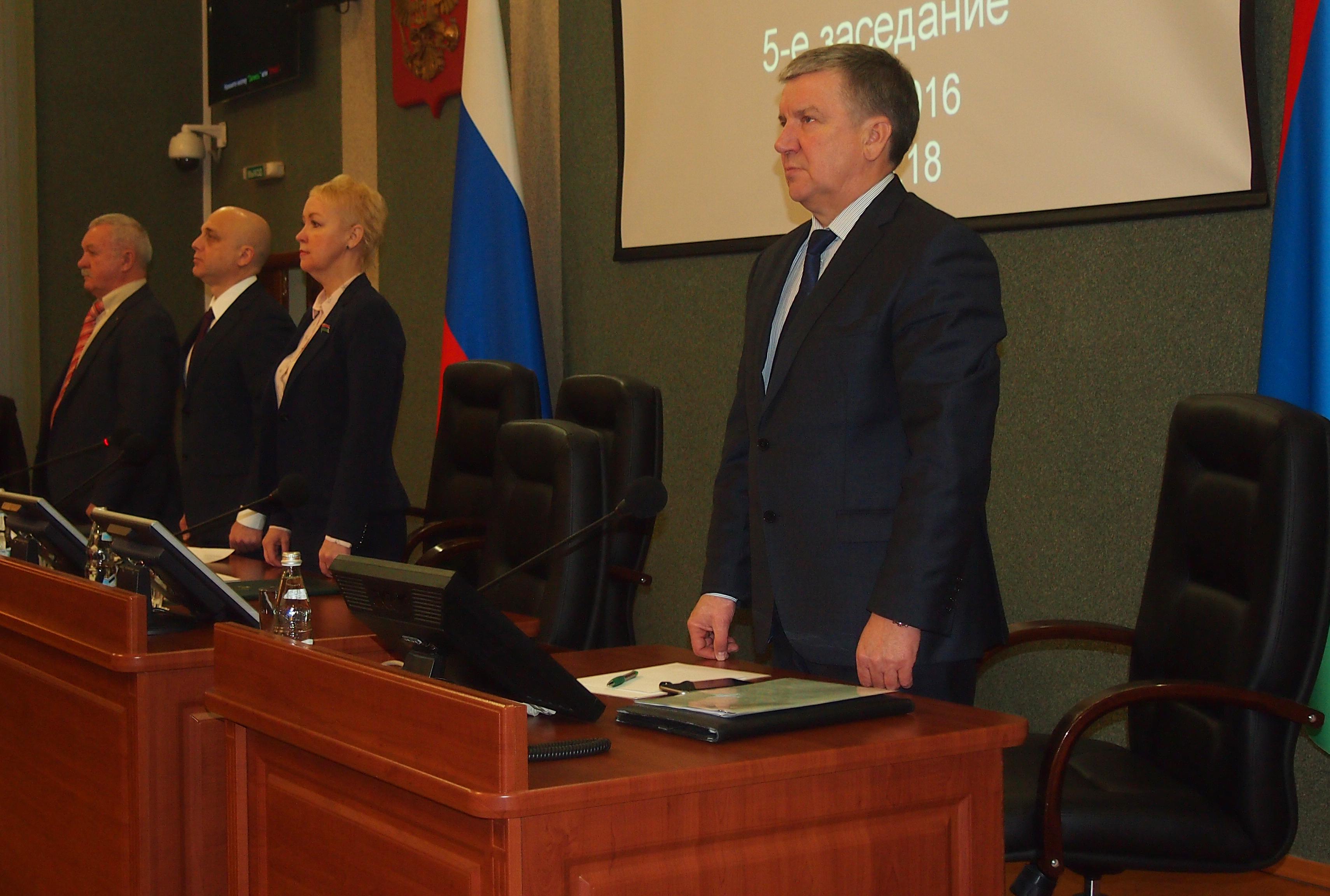 """Законопроект о приватизации """"Карбон-Шунгита"""" был внесен в парламент Карелии экс-губернатором Худилайненом. Фото: Валерий Поташов"""