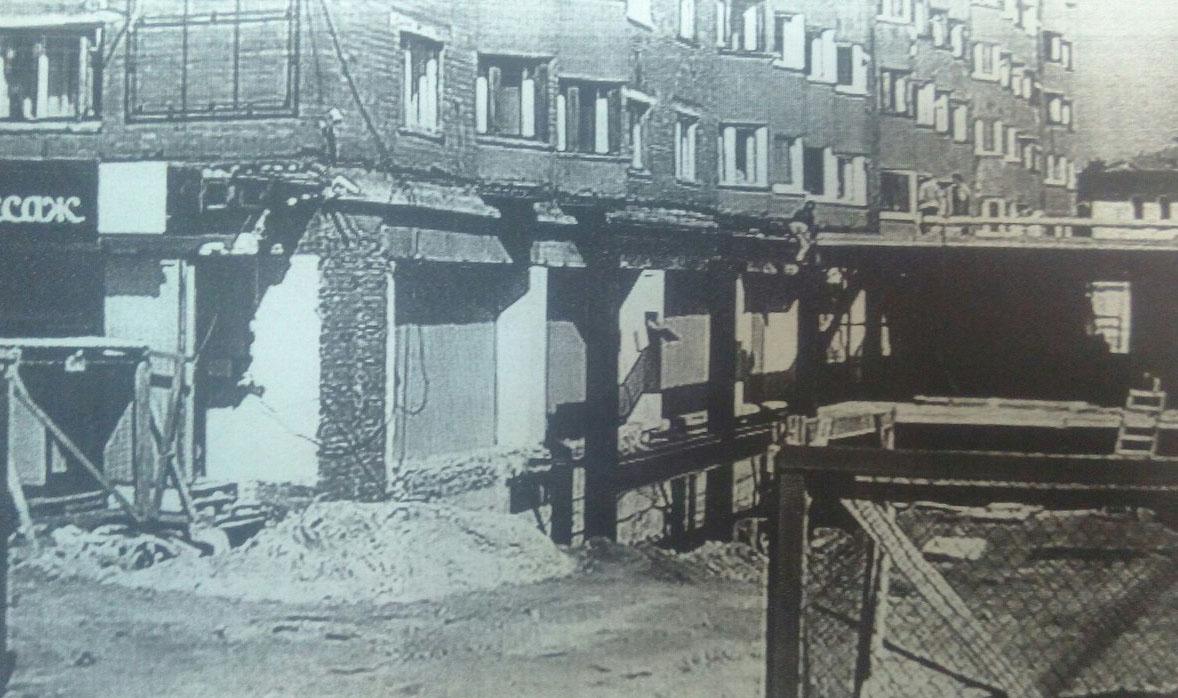 Строительство пристройки. Архивное фото