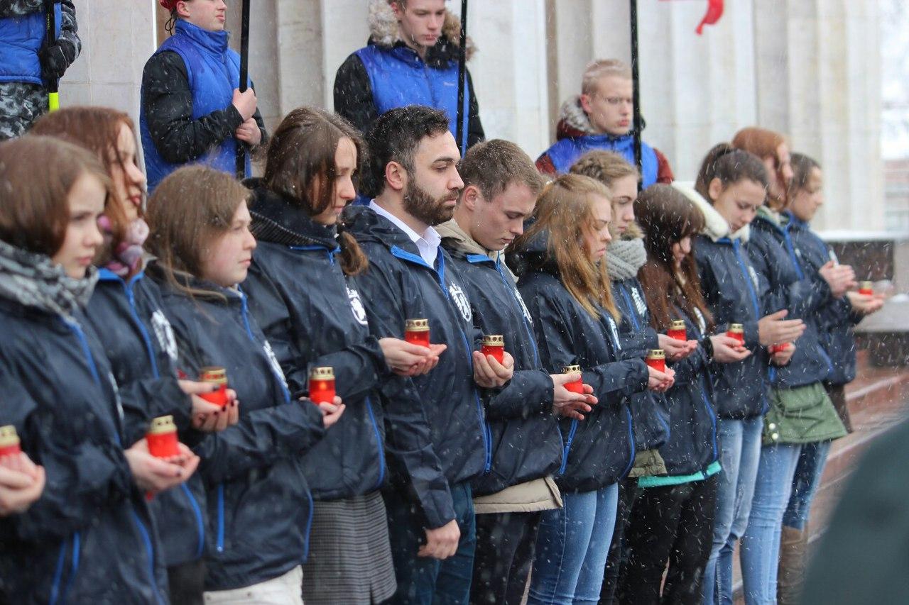 Митинг против терроризма прошел на том же месте, где 26 марта состоялась гражданская акция против коррупции. Фото: Сергей Мятухин