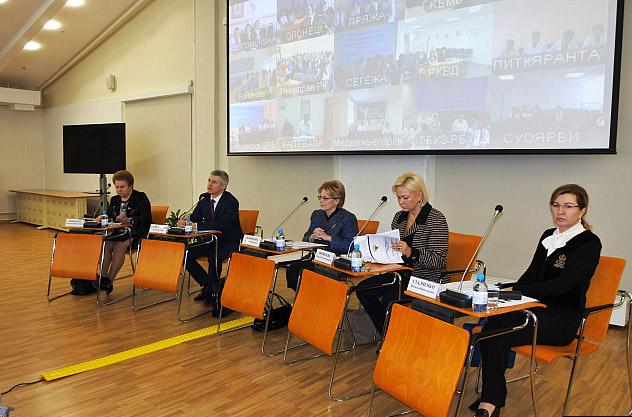 На встрече главы Минздрава России с работниками здравоохранения Карелии. Фото: gov.karelia.ru