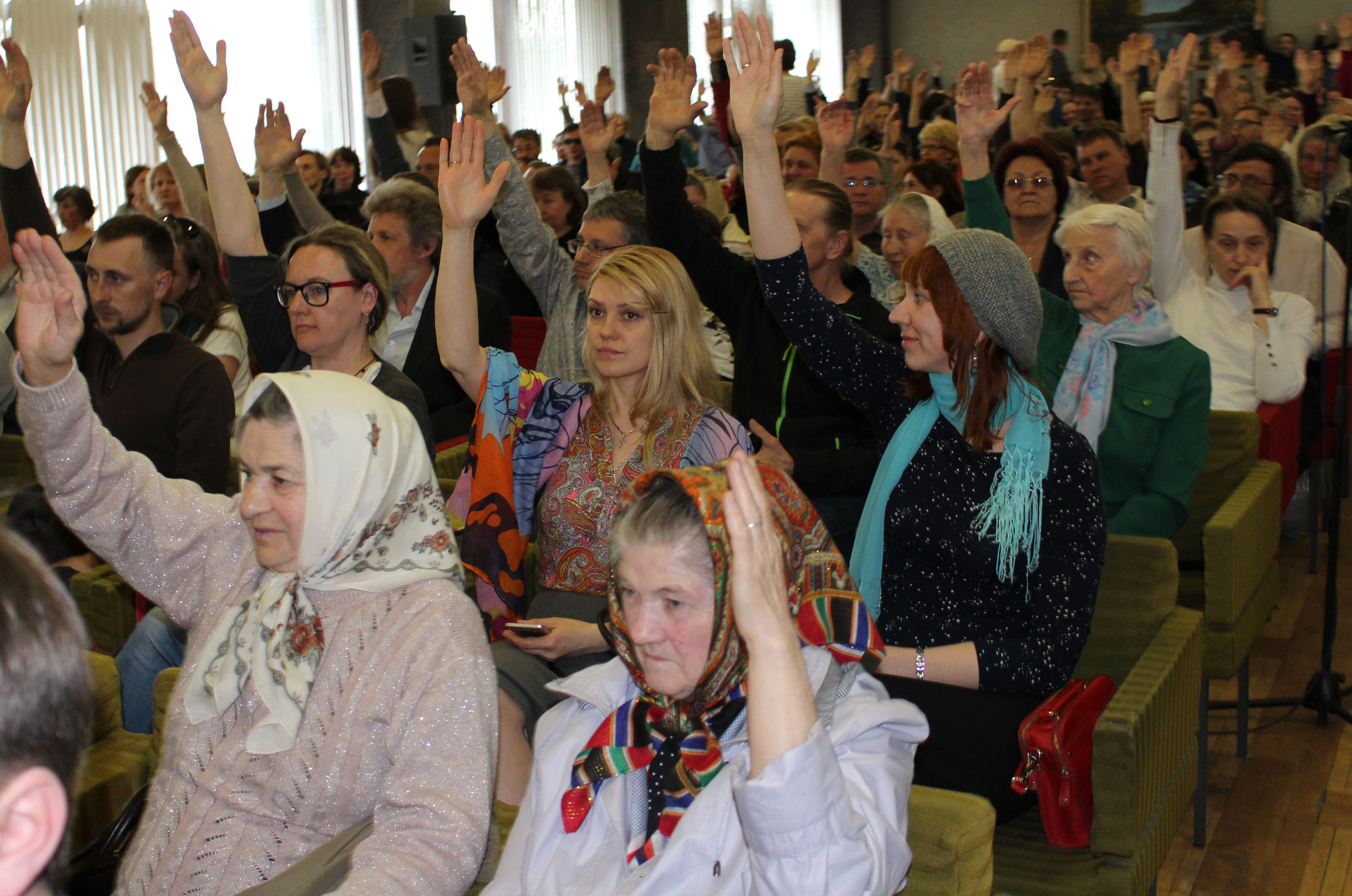 Большинство участников слушаний поддержали строительство часовни. Фото: Валерий Поташов