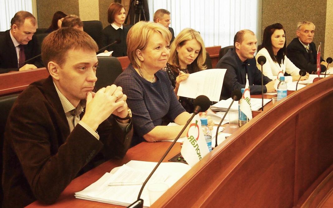 Парламентская оппозиция Карелии. Фото: Валерий Поташов