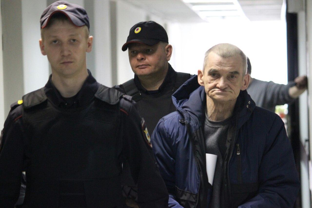 Юрий Дмитриев виновным себя не признает. Фото: Сергей Мятухин