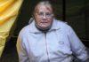 Педагог-ветеран Лариса Куликова отказывается переезжать в жилье, которое ей выделили по программе расселения аварийного жилфонда. Фото: Черника