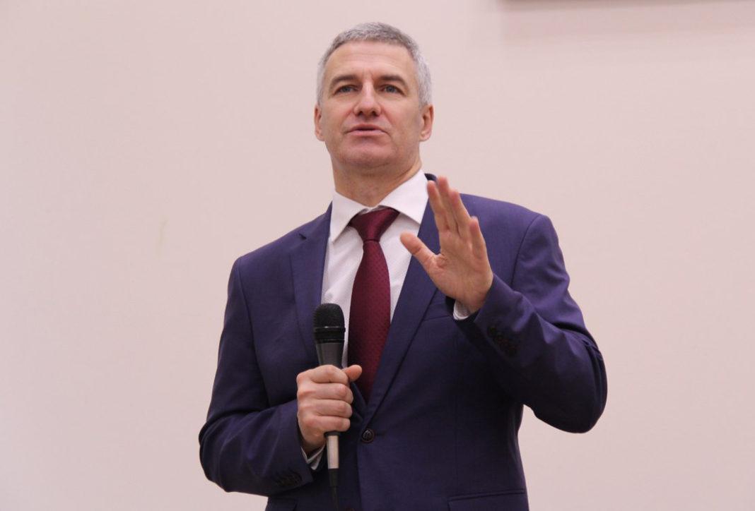 Глава Карелии Артур Парфенчиков. Фото с официальной страницы губернатора в социальной сети