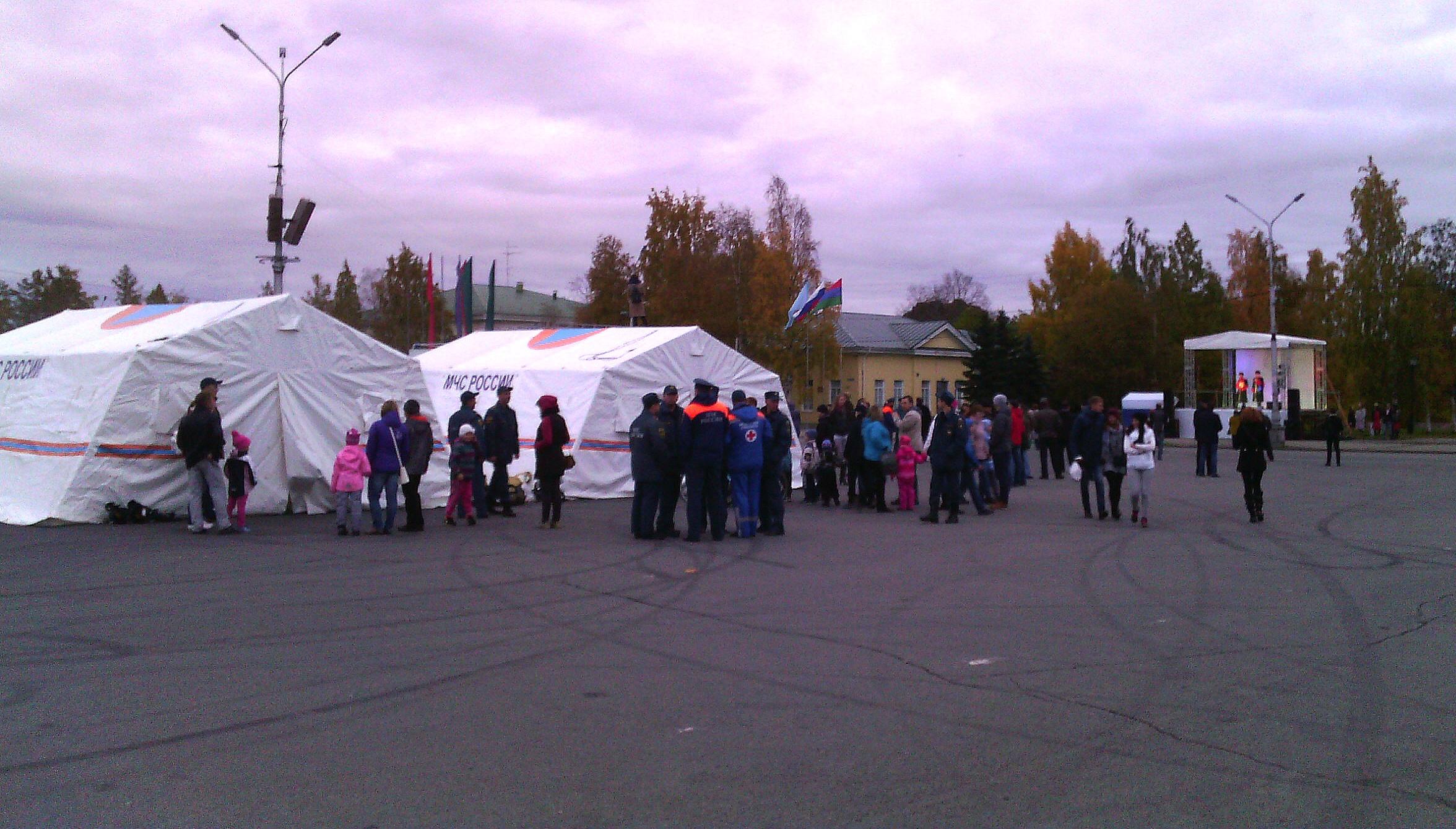 Праздник спасателей на площади Кирова. Фото: Валерий Поташов