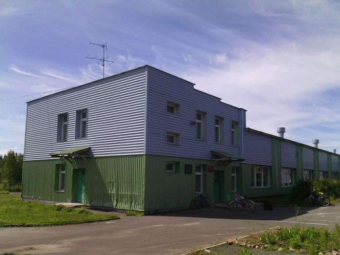 Бюджетники из Ладва-Ветки могут обналичить свои зарплаты либо в соседнем поселке, либо в Петрозаводске. Фото: Валерий Поташов