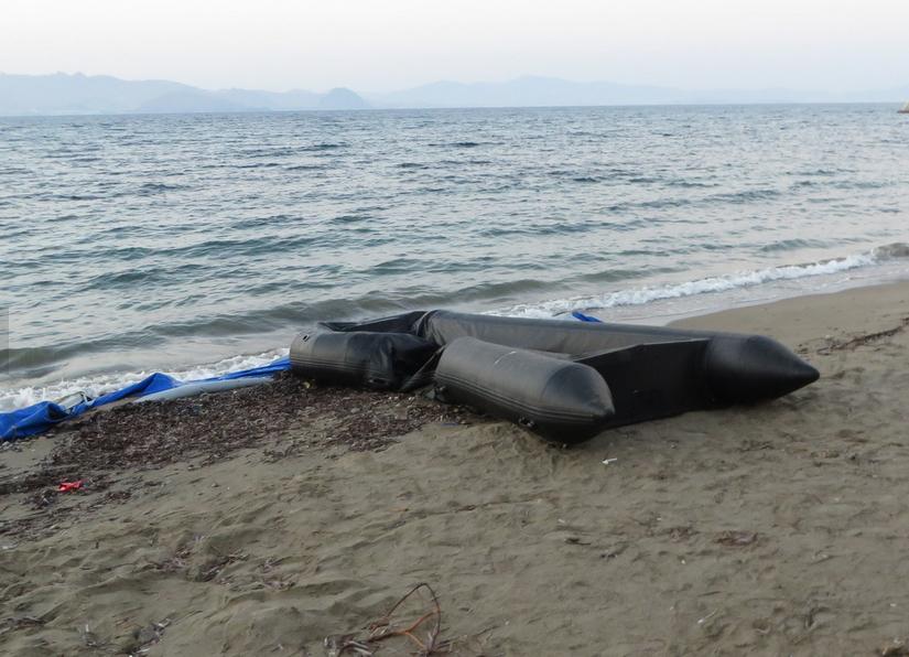 Лодка беженцев на берегу острова Кос. Фото из социальных сетей