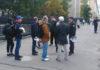 """Сотрудники Росгвардии и участники """"прогулки свободных людей"""" в Петрозаводске. Фото участников акции"""