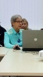 Выступает Елена Черенкова. Фото: Татьяна Смирнова