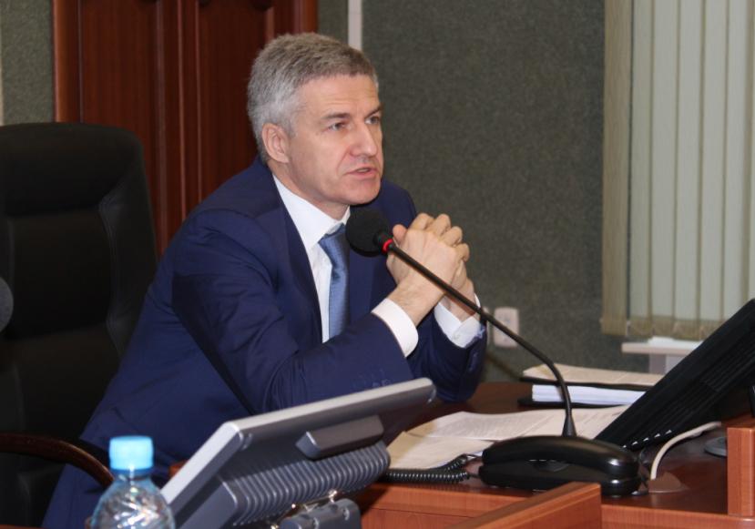 Губернатор Парфенчиков дал оппозиции гневную отповедь. Фото: Валерий Поташов